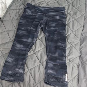 Reebok gray capri leggings!! SIZE S